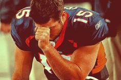Tebow Praying