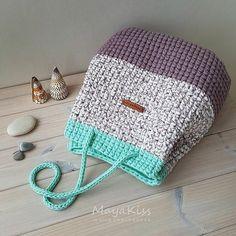 How To Crochet A Shell Stitch Purse Bag - Crochet Ideas Bag Crochet, Crochet Shell Stitch, Crochet Handbags, Crochet Purses, Crochet Slippers, Crochet Gifts, Knooking, Yarn Bag, Diy Handbag