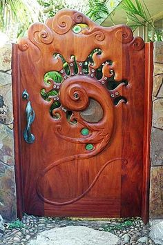 Garden Gate ~ from FB page of La Bioguia