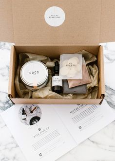 Box BeautéYou can find Beauty box and more on our website. Candle Packaging, Soap Packaging, Beauty Packaging, Packaging Design, Packaging Ideas, Flower Packaging, Printable Box, Cosmetic Box, Client Gifts