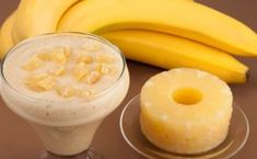 Melt Fat Like Crazy With This Magical Banana Pineapple Drink! // In need of a detox? 1 banana cup pineapple cup almond milk flax seed tsp ground ginger (or fresh grated ginger) Diet Drinks, Smoothie Drinks, Healthy Smoothies, Yummy Drinks, Healthy Drinks, Healthy Snacks, Healthy Eating, Healthy Recipes, Ginger Smoothie