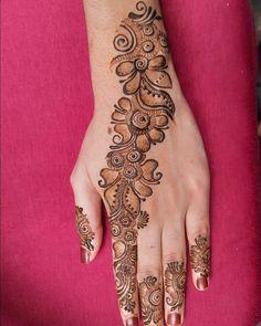 Pretty Henna Designs, Henna Tattoo Designs Simple, Finger Henna Designs, Full Hand Mehndi Designs, Henna Art Designs, Mehndi Designs For Beginners, Mehndi Designs For Girls, Wedding Mehndi Designs, Mehndi Designs For Fingers