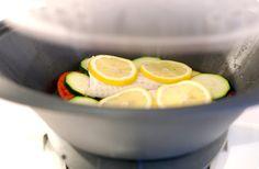 Merluza al limón en el Varoma de tu Thermomix | Velocidad Cuchara