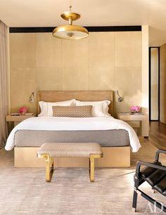 A master bedroom dec