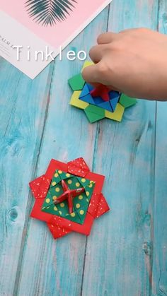 Small Delicate Colorful Laser Square Rubik's Cube Finger Spinner Fingers Coordination Training Fidget Toy Puzzle Game Diy Crafts Hacks, Diy Crafts For Gifts, Diy Arts And Crafts, Kids Crafts, Kids Diy, Wood Crafts, Instruções Origami, Paper Crafts Origami, Useful Origami