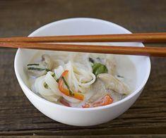 Bowl of Coconut Lemongrass Somen Noodle Soup Asian Recipes, Ethnic Recipes, Soup And Sandwich, Food N, Fresh Ginger, Noodle Soup, Lemon Grass, Japanese Food, Soups And Stews