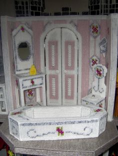 Fashion doll Dream Castle Plastic Canvas 2013 , bathroom 00. Wow -- that's a castle bathroom!!