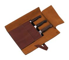A traditional roll bag made from soft and sturdy neat's leather provides protection and safety while travelling. Like the specially made sheath for a single knife, these accessories embrace TWIN 1731