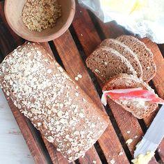 【全粒ライ麦ブレッド】の材料は、富澤商店オンラインショップ(通販)、直営店舗でご購入いただけます。また、無料のレシピも多数ご用意。確かな品質と安心価格で料理の楽しさをお届けします。