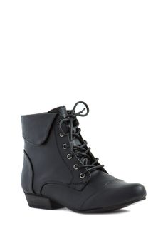 Vintage Lace-Up Ankle Boots BLACK