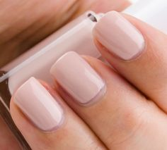 Essie Topless & Barefoot: the perfect blush/nude... And you gotta love the name! ;)