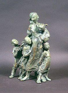Jane DeDecker, Within Reach, Ed. bronze, 8 X 6 X 3 inches Sculptures Céramiques, Sculpture Art, Ceramic Figures, Tile Art, Mother And Child, Cavalier, Figurative Art, Art Reference, Carving