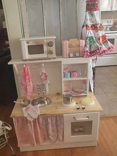 wish I had seen this about 12 months ago when I was fully into the & can& I find the right nightstand& play kitchen debacle. Toddler Kitchen, Diy Play Kitchen, Toy Kitchen, Play Kitchens, Wooden Kitchen, Cubby Houses, Play Houses, Diy Kitchen Accessories, Craft Shelves