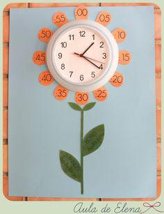 Idea de decoración para el reloj del aula. Freebie listo para descargar del blog Aula de Elena.