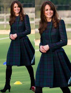 Women Casual Dress Navy Blue Dress Black And White Dress – rotatal Looks Kate Middleton, Estilo Kate Middleton, Style Outfits, Dress Outfits, Fashion Dresses, Frock For Women, White Dresses For Women, Kurta Designs, Blouse Designs