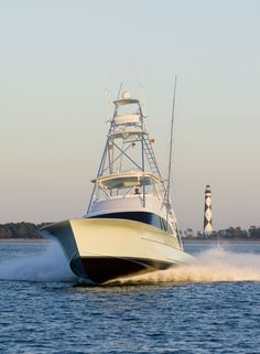 Waste Knot Jarrett Bay Yachts One of the most beautiful boats out there! Fishing Yachts, Sport Fishing Boats, Cool Boats, Small Boats, Speed Boats, Power Boats, Boat Pics, Wood Canoe, Chris Craft Boats