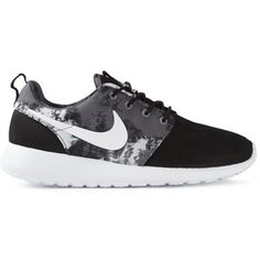 Nike Roshe One Trainers