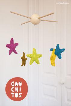 Patrón estrellas de ganchillo de regalo. Crochet stars free pattern.