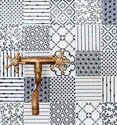 A blue backsplash in patchwork tiles would make a huge impact. I'm thinking of a small cottage kitchen with not a lot of frills. Made a Mano Patchwork Tiled Backsplash Quilt Inspiration, Bathroom Inspiration, Interior Inspiration, Interior Ideas, Interior Styling, Blue Tiles, White Tiles, Made A Mano, Patchwork Tiles