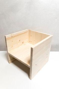 Stuhl Kubus Montessori-wächst mit Ihnen zwei von MontessoriLab