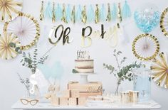 Get inspiration for a beautiful pink and gold baby shower! Browse baby shower decorations, games, party food ideas and more. Fiesta Baby Shower, Fun Baby Shower Games, Baby Shower Themes, Shower Ideas, Office Baby Showers, White Baby Showers, Baby Shower Azul, Baby Boy Shower, Shower Party