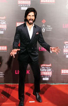 Double-breasted suits are the flavour of the season, Shahid Kapoor earns fashion points for choosing to sport one. He also added a pop of colour with the pocket square. What's not to like!