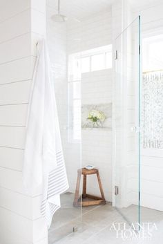 73 Beautiful White Subway Tiled Bathroom With Marble Bathtub - House & Living Bath Trends, Bathroom Trends, Bathroom Renovations, Bathroom Ideas, Decorating Bathrooms, French Country Style, French Country Decorating, White Subway Tile Bathroom, Subway Tiles