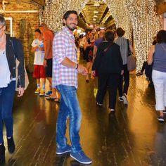 Buen puente a todos! Os dejo una fotito de Javi en el Chelsea Market de Nueva York para recordaros nuestro último post [Direct link in BIO]  que aunque el tenga su propia cuenta @javicubo Travel the Life somos los dos y seguirá apareciendo por aquí   #TravelthelifeGoesTo #newyork #ttltrips by travelthelife