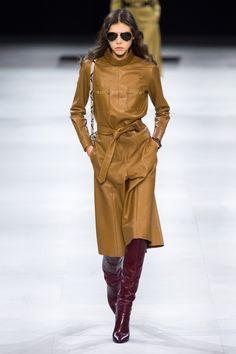 Celine Ready To Wear Herbst Winter 2019 2020 Modenschau Vogue Paris Fashion Weeks, Fashion 2020, Paris Fashion, Runway Fashion, Winter Fashion, Fashion Show, Fashion Trends, Fashion Styles, Fashion Online