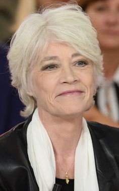 Older Lady Hair Styles, Short Hair Styles, Older Women Hairstyles, Girl Hairstyles, Music Film, Famous Artists, Style Icons, Hair Beauty, Celebs