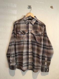 106e7467a2e69 Columbia Mens Long Sleeve Casual Flannel Shirt Size Small Two Chest Pockets  EUC #fashion #