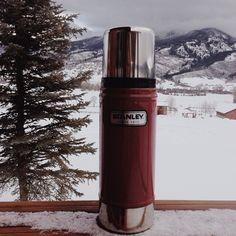 Coffee Thermos - Coffee Tips: This Can Be Used Information Coffee Thermos, Coffee Brewer, Coffee Mugs, Coffee Type, Stanley Thermos, Best Travel Coffee Mug, Uses For Coffee Grounds, Winter