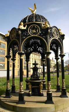 Some beautiful exemples of #victorian drinking fountains