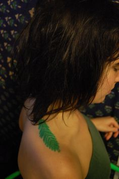 redwood leaf shoulder tattoo Placement for violets Gorgeous Tattoos, Pretty Tattoos, Green Tattoos, Shoulder Tattoos, Pretty Green, Body Mods, Dress Me Up, Tattoo Inspiration, Tatting