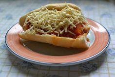 Aprenda a fazer um cachorro quente saudável e vegano com ingredientes acessíveis, baratos e nutritivos! Chega de comida ultra-processada!