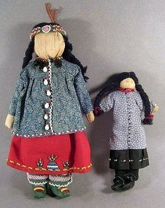 2 VINTAGE  Native American Indian IROQUOIS CORN HUSK DOLL.