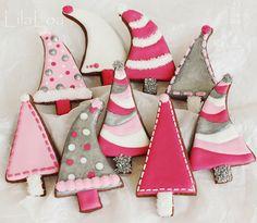 Pink Christmas Tree Cookies - The Art of the Cookie Christmas Tree Cookies, Pink Christmas Tree, Iced Cookies, Christmas Sweets, Cute Cookies, Noel Christmas, Christmas Goodies, Cookies Et Biscuits, Holiday Cookies