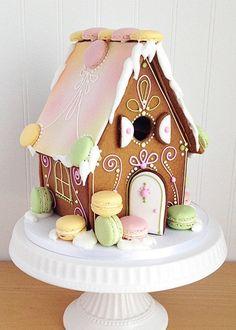 GINGERBREAD HOUSE~❄☃ Sweet ❄☃❄ Gingerbread ☃❄ macaron