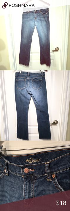 Old navy Diva jeans in size 8 Old Navy Diva style jeans in size 8. In excellent used condition. Only worn once. Old Navy Jeans