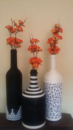 Keep your own part counter bulb utilizing an upcycled wine flask. Wine Bottle Art, Plastic Bottle Crafts, Diy Bottle, Wine Bottle Crafts, Jar Crafts, Diy And Crafts, Bottles And Jars, Glass Bottles, Wine And Liquor