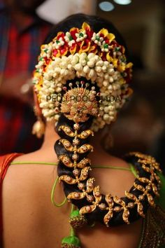 Wedding flower jadai - Book bridal poola jada or flower veni online for your wedding and get it delivered to your doorstep. South Indian Bride Hairstyle, Indian Bridal Hairstyles, Bride Hairstyles, Bun Hairstyle, Indian Hair, Bridal Flowers, Flowers In Hair, Indian Wedding Jewelry, Indian Weddings