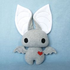 Dexter the Bat in Gray and White. I'm not usually into bats, but this one is adorable !
