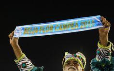 BEIJA-FLOR: A escola de Nilópolis conquistou seu 13º título do Grupo Especial do carnaval do Rio Beija-Flor has been champion 13 times!