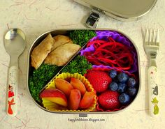 Chicken and Broccoli with Beet Slaw Bento. So colorful!