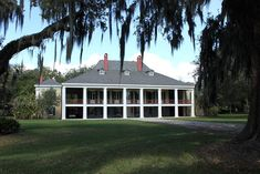 The main house at the Destrehan sugar plantation in Destrehan, Louisiana, built Built in the French Colonial style, the original slender wooden gallery posts were replaced with monumental Doric columns when the Greek Revival-style was popular. Colonial Style Homes, French Colonial, Southern Plantation Homes, Plantation Houses, Southern Homes, Southern Style, Louisiana Plantations, Louisiana