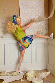 Time to remodel Doll Clothes Barbie, Barbie Doll House, Barbie Life, Barbie World, Barbie And Ken, Barbie Dress, Barbies Pics, Barbie Fashionista Dolls, Barbie Diorama