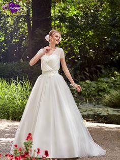 Robe de mariée Ilda, robe de mariée tendance, robe de mariage avec petites…