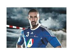 Le handballeur guadeloupéen a décroché avec l'équipe de France, la médaille d'or aux JO de Londres. A 35 ans et après neuf saisons passées en Espagne, Didier Dinart évoluera la saison prochaine au Paris Handball