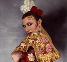 pastora imperio - Buscar con Google http://www.pinterest.com/vanessa52579/mantillas-y-peinetas/