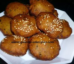 Authentic Vegetarian Recipes   Indian Traditional Food   Step-by-step Instructions: Multigrain Dhebra with methi (fenugreek), semolina and organic flaxseed powder